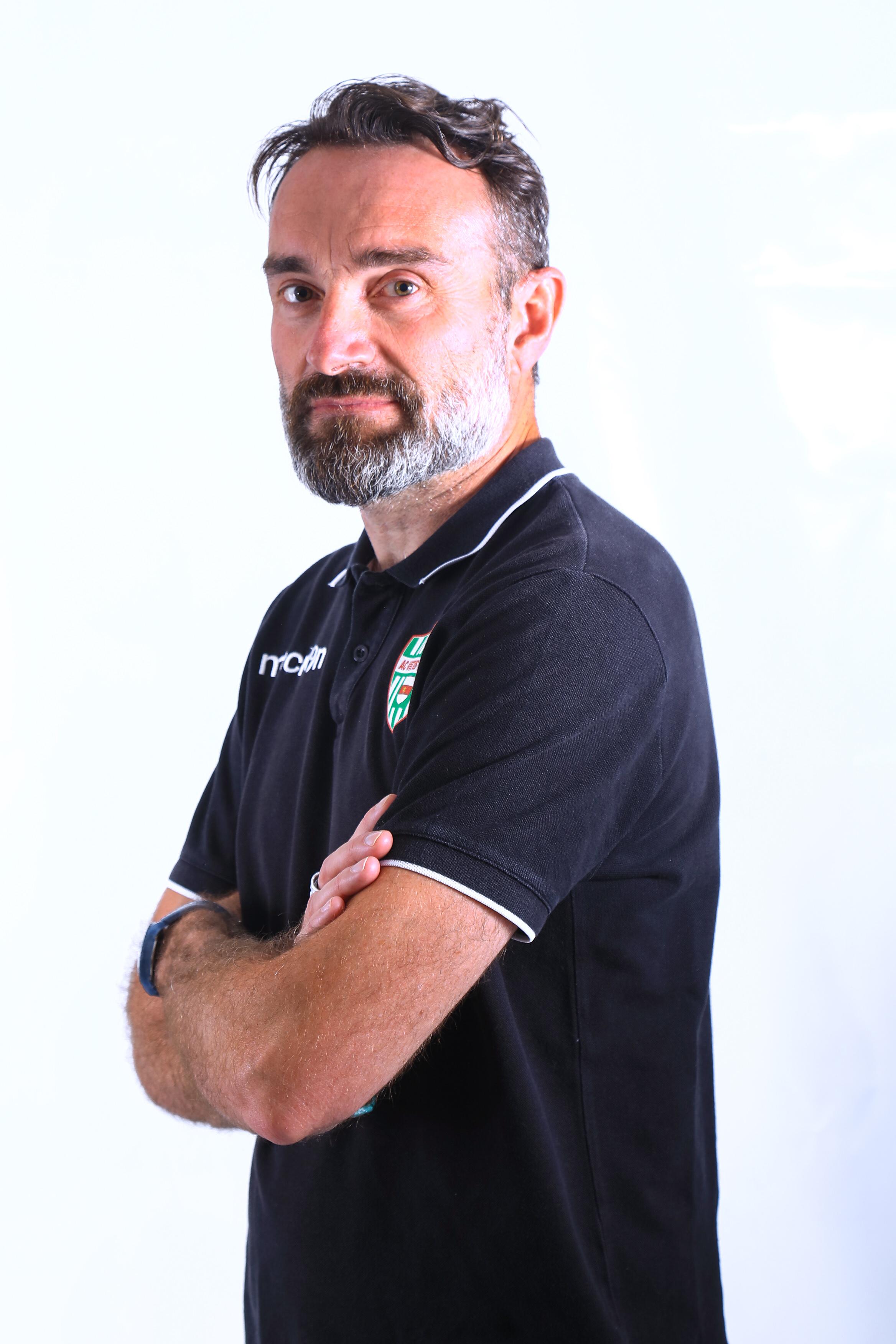 27 - Roberto Ceron